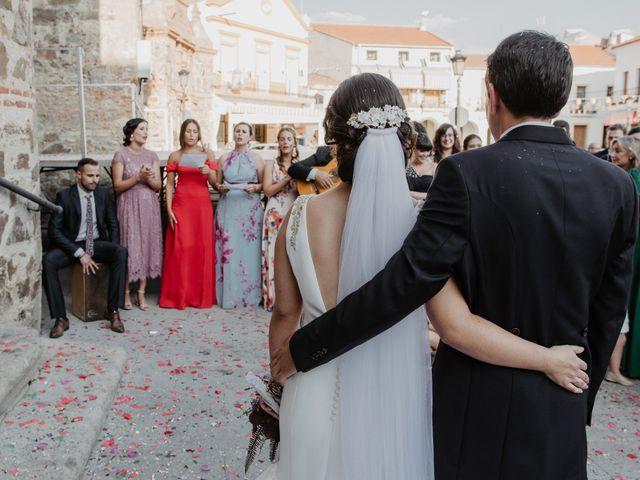 La boda de Benjamín y Yolanda en Talarrubias, Badajoz 63