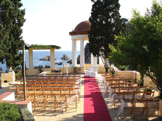 La boda de cristina y ivan en blanes girona for Bodas en el jardin botanico