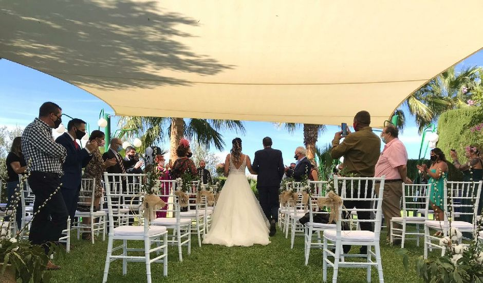 La boda de Carla y Javier en La/villajoyosa Vila Joiosa, Alicante