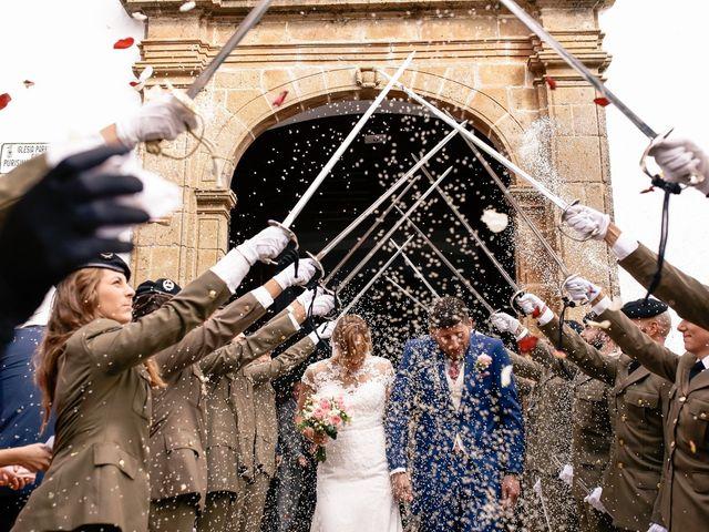 La boda de Jose María y Vanesa en Villanueva Del Fresno, Badajoz 35
