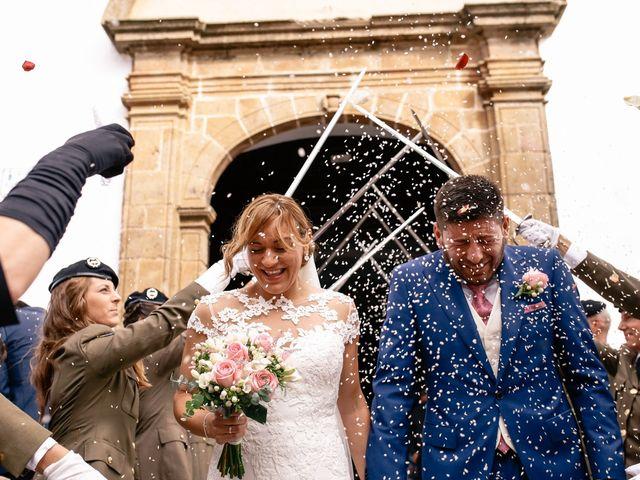 La boda de Jose María y Vanesa en Villanueva Del Fresno, Badajoz 36