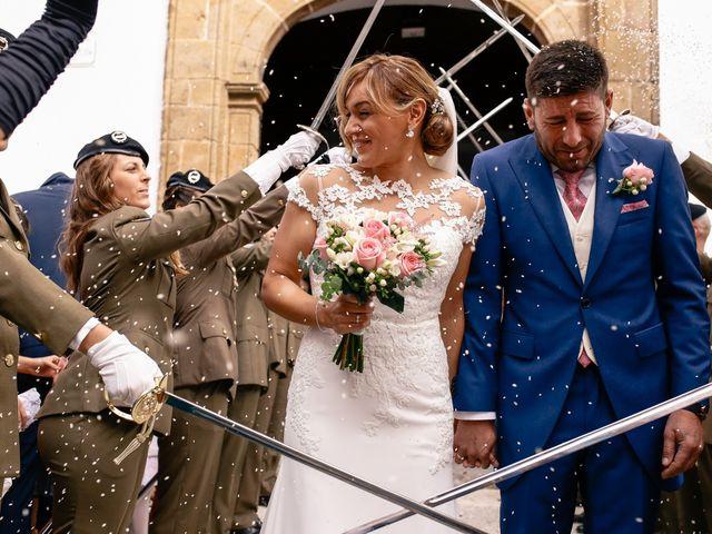 La boda de Jose María y Vanesa en Villanueva Del Fresno, Badajoz 37