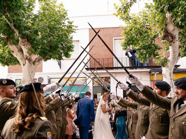 La boda de Jose María y Vanesa en Villanueva Del Fresno, Badajoz 39