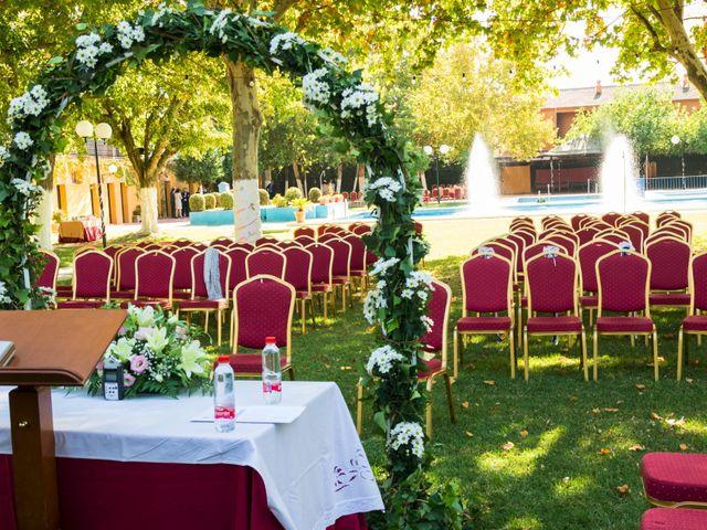 La boda de Pedro y Sara en La Carlota, Córdoba 14
