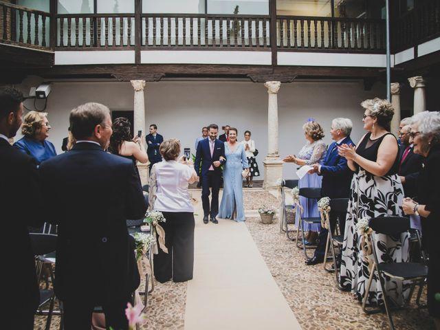La boda de Carlos y Irene en Carrion De Calatrava, Ciudad Real 56