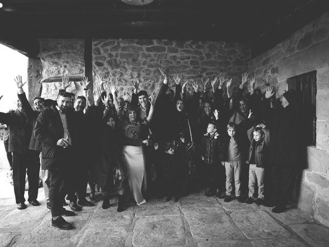 La boda de Miguel y Tamara en Muxika, Vizcaya 54