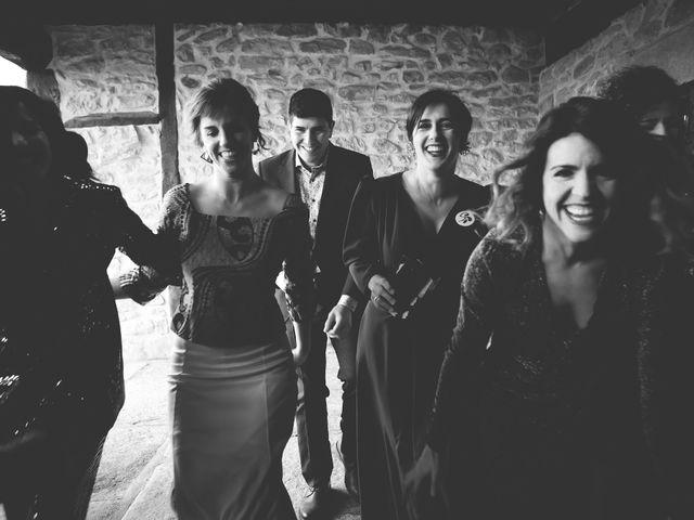 La boda de Miguel y Tamara en Muxika, Vizcaya 57