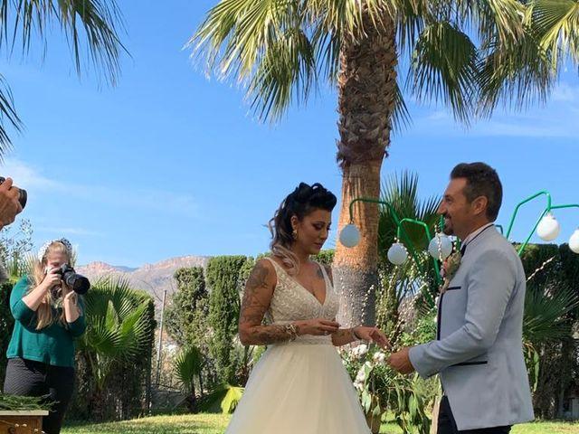 La boda de Javier  y Carla en La/villajoyosa Vila Joiosa, Alicante 32