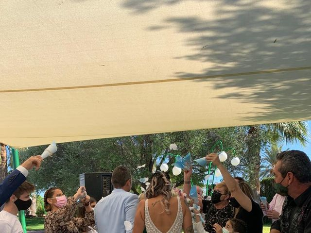 La boda de Javier  y Carla en La/villajoyosa Vila Joiosa, Alicante 33