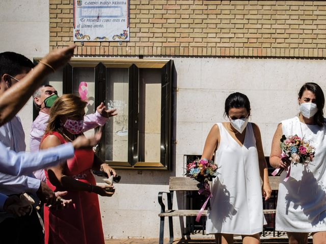 La boda de Marta y Irene en Illescas, Toledo 32