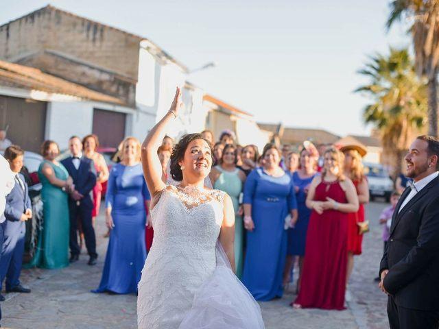 La boda de Mario  y Amparo en Valdetorres, Badajoz 3
