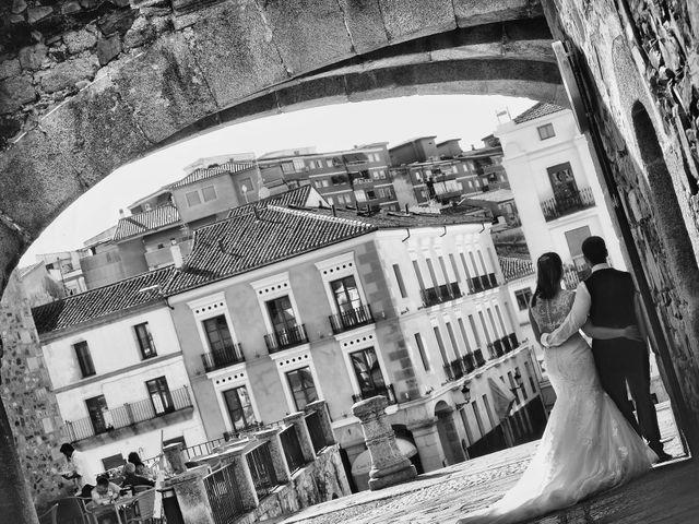 La boda de Daniel y Olga en Valdastillas, Cáceres 39