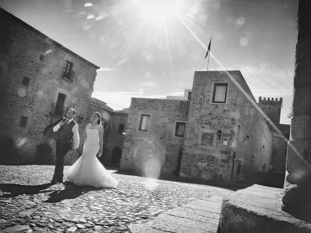 La boda de Daniel y Olga en Valdastillas, Cáceres 41