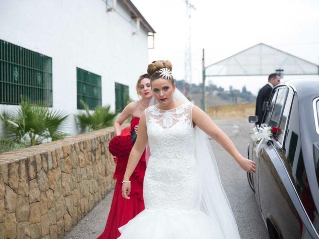 La boda de Jorge y Nayara en Alhaurin De La Torre, Málaga 32