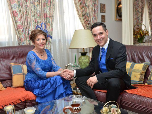 La boda de Roberto y Beatriz en Carrion De Calatrava, Ciudad Real 5