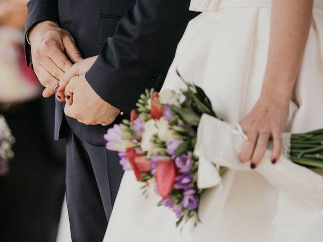 La boda de Nando y Alba en Laxe, A Coruña 35