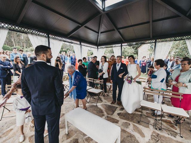 La boda de Nando y Alba en Laxe, A Coruña 36