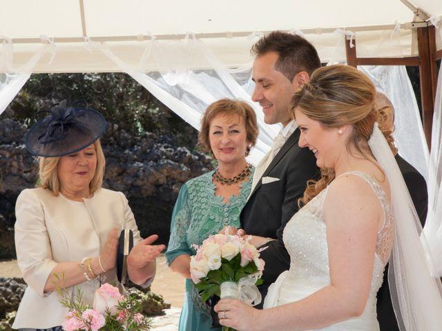 La boda de Robert y Laura en Isla, Cantabria 13
