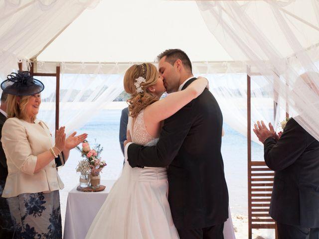 La boda de Robert y Laura en Isla, Cantabria 17