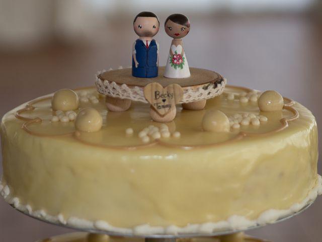 La boda de Tom y Becky en Pueblo Benalmadena, Málaga 35