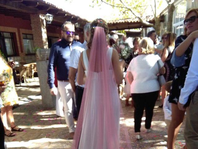 La boda de Miguel  y Veronica  en Talamanca Del Jarama, Madrid 13