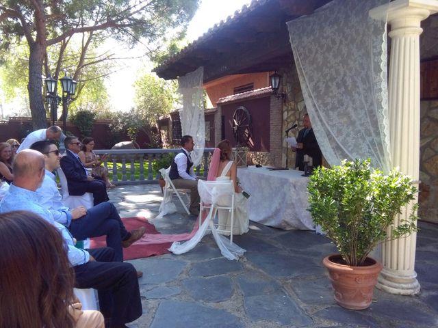 La boda de Miguel  y Veronica  en Talamanca Del Jarama, Madrid 14