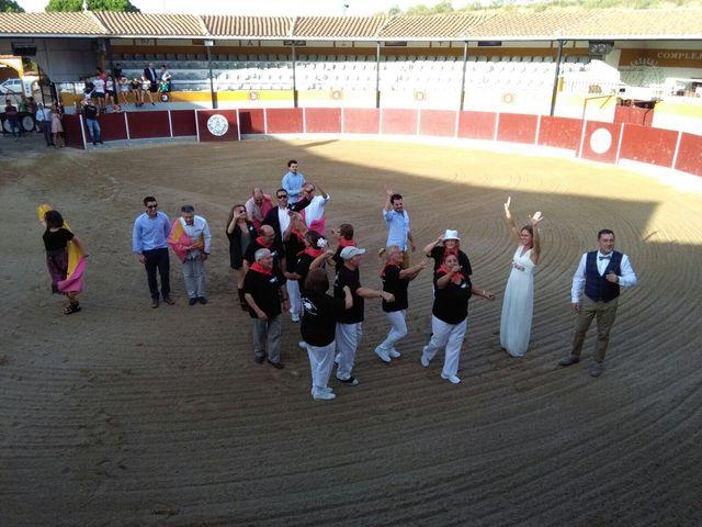 La boda de Miguel  y Veronica  en Talamanca Del Jarama, Madrid 15