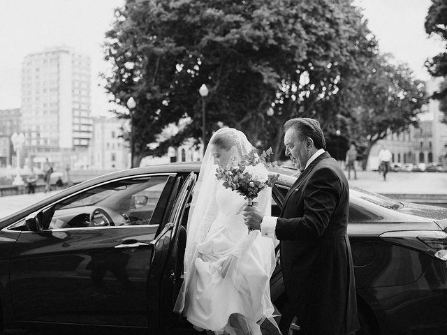 La boda de David y Eva en Gijón, Asturias 35
