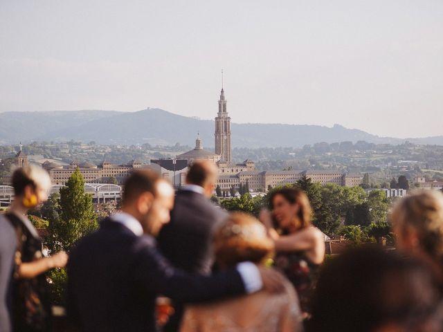 La boda de David y Eva en Gijón, Asturias 61