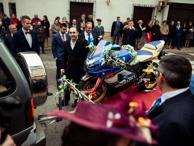 La boda de Javi y Sonia en Villarrubia De Los Ojos, Ciudad Real 32