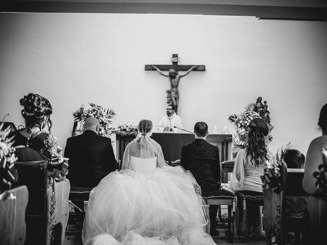La boda de Carlos y Yaiza en Estepona, Málaga 21