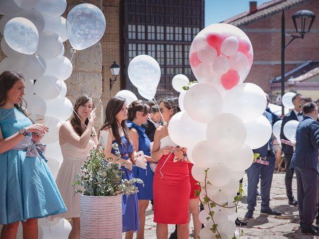 La boda de Alberto y Demelsa en Paredes De Nava, Palencia 25