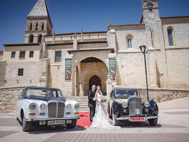 La boda de Alberto y Demelsa en Paredes De Nava, Palencia 33