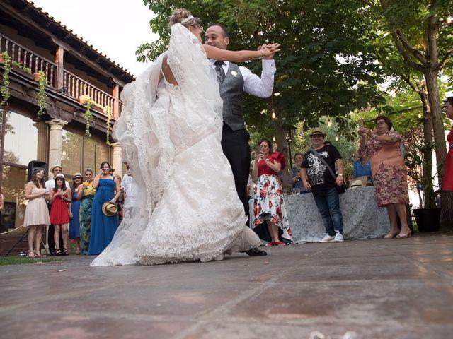 La boda de Alberto y Demelsa en Paredes De Nava, Palencia 58