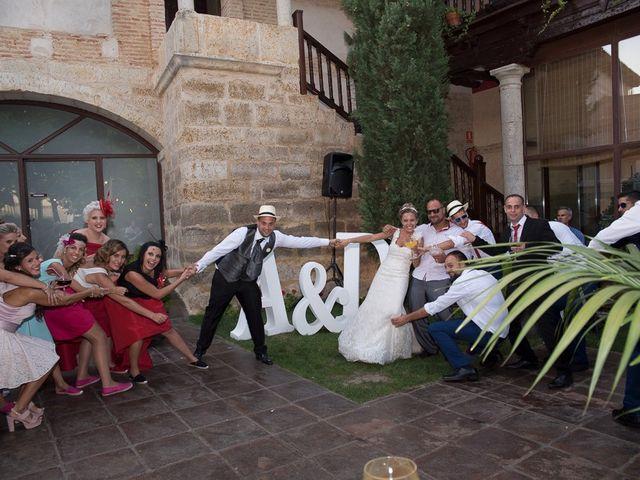 La boda de Alberto y Demelsa en Paredes De Nava, Palencia 63