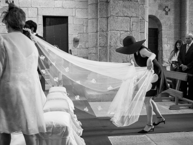 La boda de Albert y Isabel en Santiago De Compostela, A Coruña 16