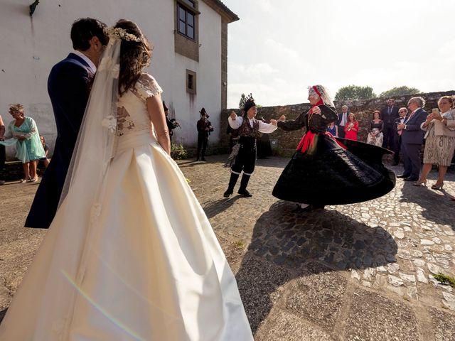 La boda de Albert y Isabel en Santiago De Compostela, A Coruña 21