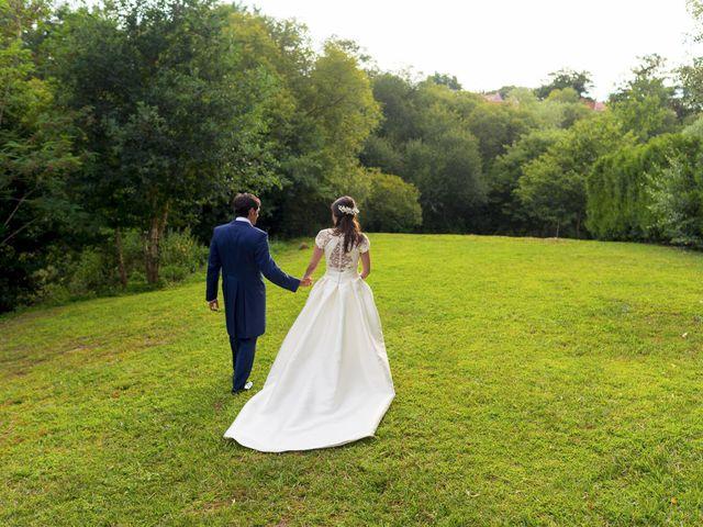 La boda de Albert y Isabel en Santiago De Compostela, A Coruña 28
