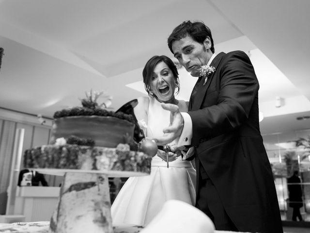 La boda de Albert y Isabel en Santiago De Compostela, A Coruña 32