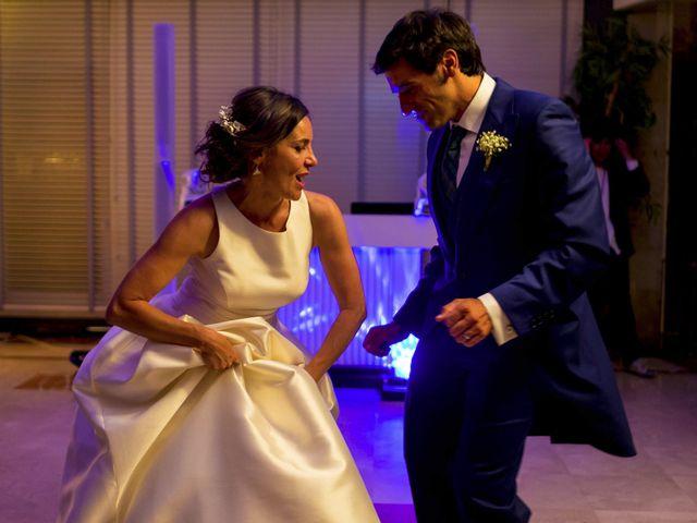 La boda de Albert y Isabel en Santiago De Compostela, A Coruña 36