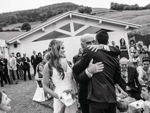 La boda de Miguel y Natalia en Quejana, Álava 28