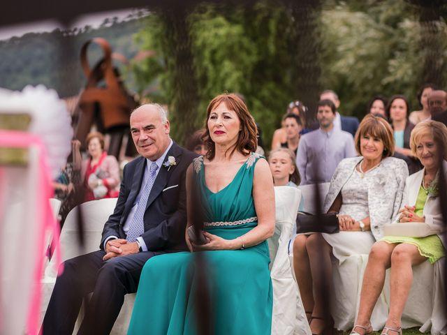 La boda de Miguel y Natalia en Quejana, Álava 31