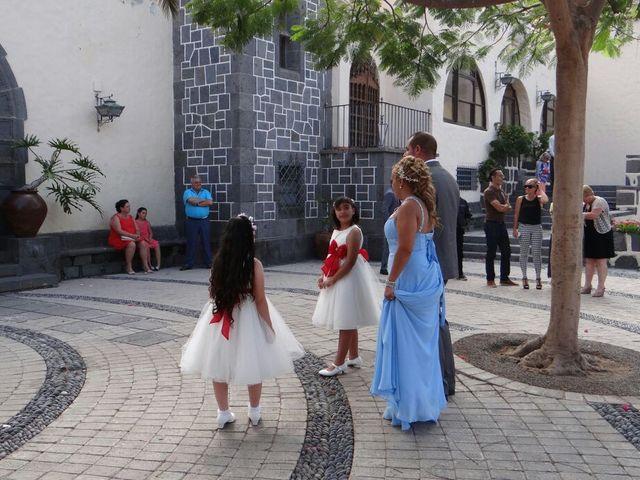 La boda de Javier  y Sandra en Las Palmas De Gran Canaria, Las Palmas 12