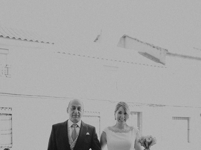 La boda de Edu y Marimar en Ballesteros De Calatrava, Ciudad Real 25
