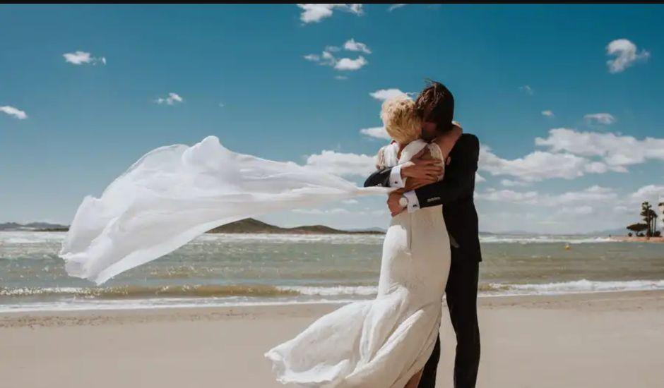 La boda de Juan y Carmen  en La Manga Del Mar Menor, Murcia