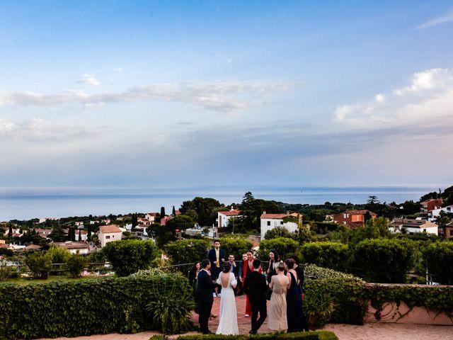 La boda de Alex y Lara en Sant Vicenç De Montalt, Barcelona 57