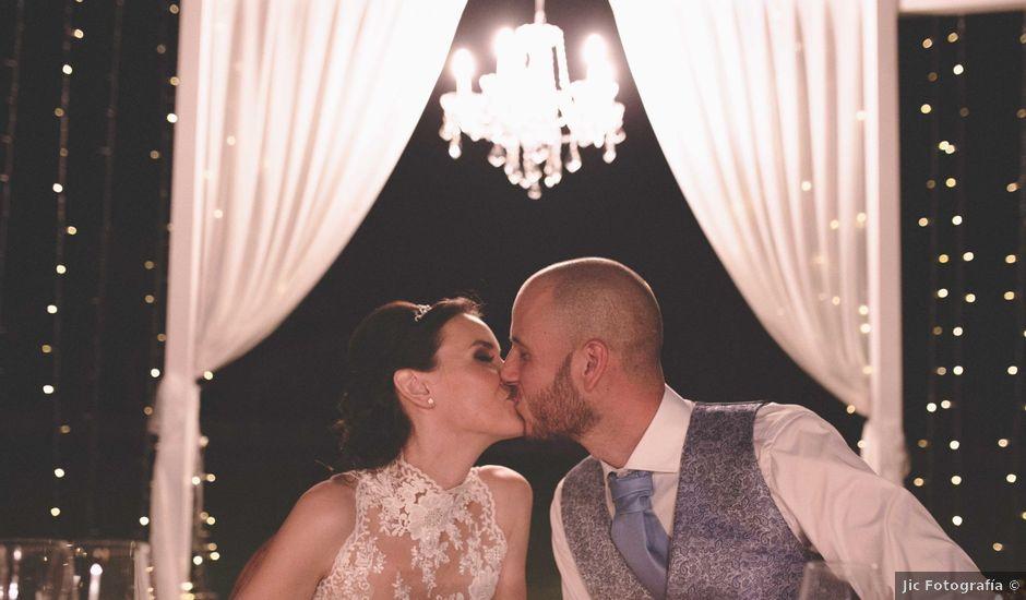 La boda de Victor y Noemi en Andratx, Islas Baleares