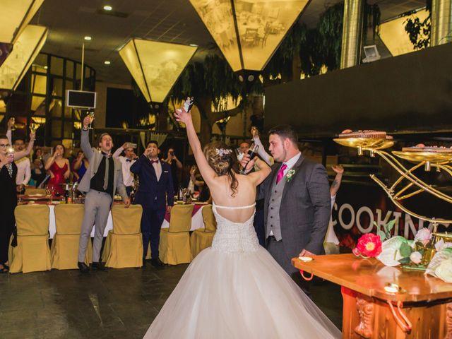La boda de Ángel y Lorena en Castelló/castellón De La Plana, Castellón 55