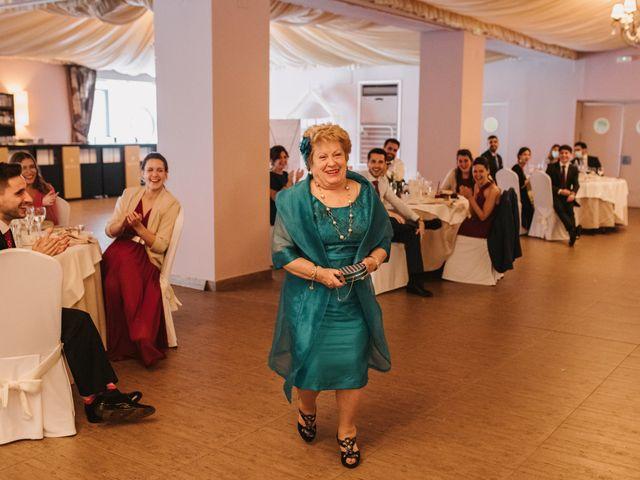 La boda de Javi y Esther en Valdastillas, Cáceres 43