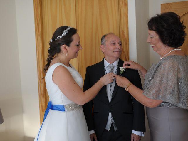 La boda de Juan y Mª Isabel en Torre Del Mar, Málaga 11